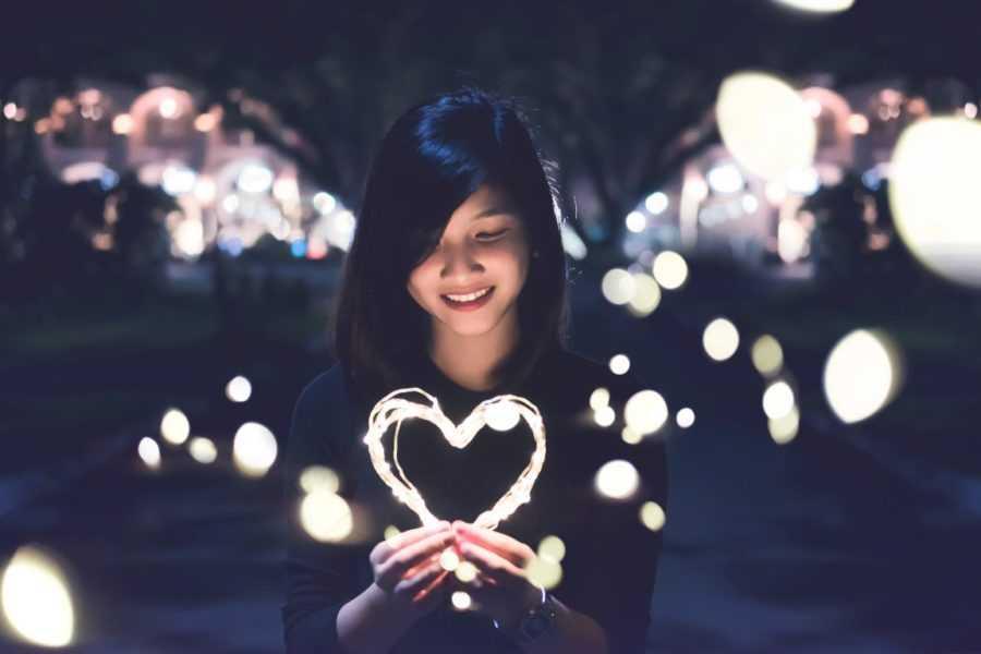 девушка влюблена
