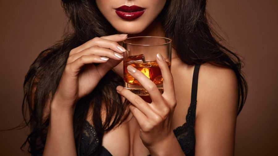 стерва с виски