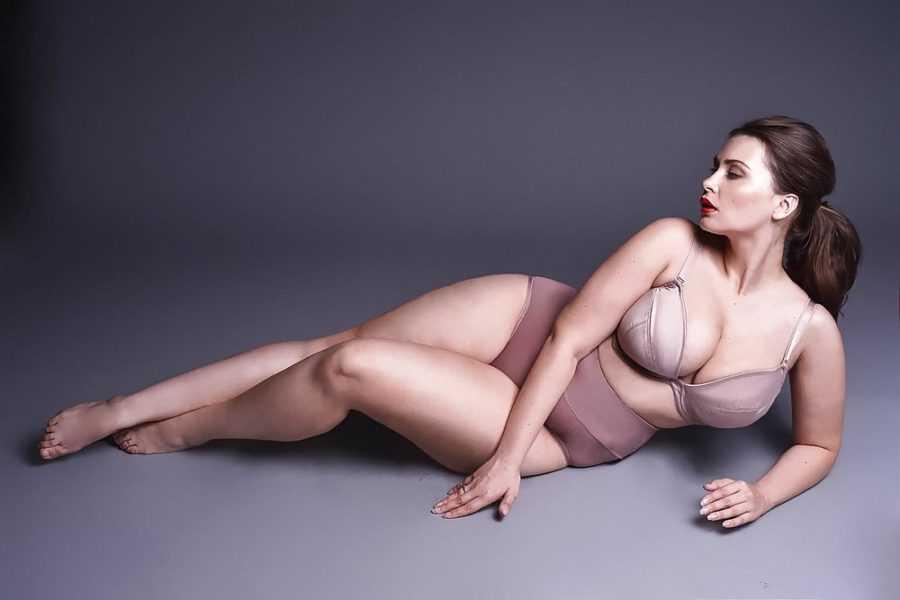 толстая девушка