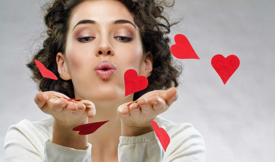 Как узнать что девушка любит