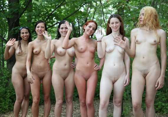 толпа голых баб в австралии