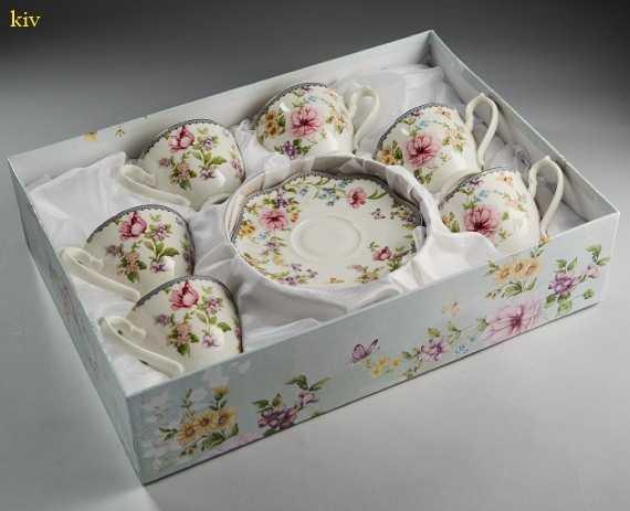 коллекция новогодних подарков - чайный сервиз