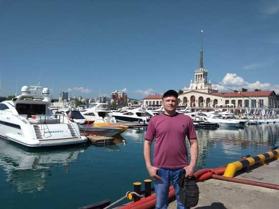 я в морском порту Сочи