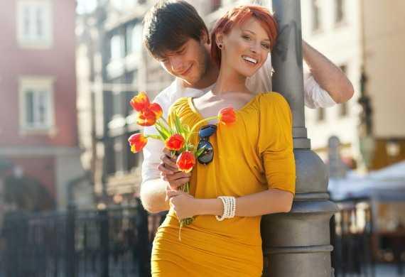 цветы делают женщину счастливой
